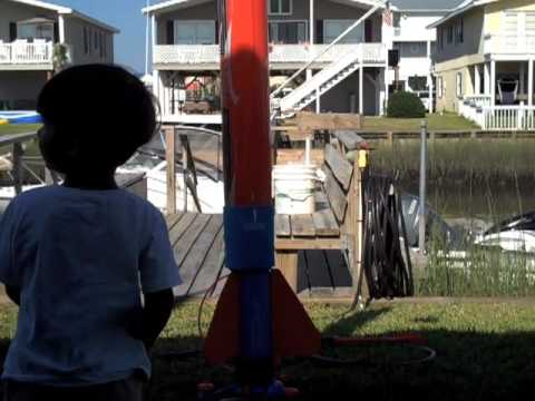 Awesome Toy Rocket Launches!