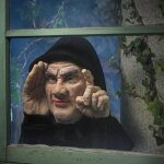 Halloween-Decoration-Scary-Peeper-Tapping-Peeper-The-True-to-Life-Motion-Activated-Window-Prop-that-really-taps-on-your-window-0-0