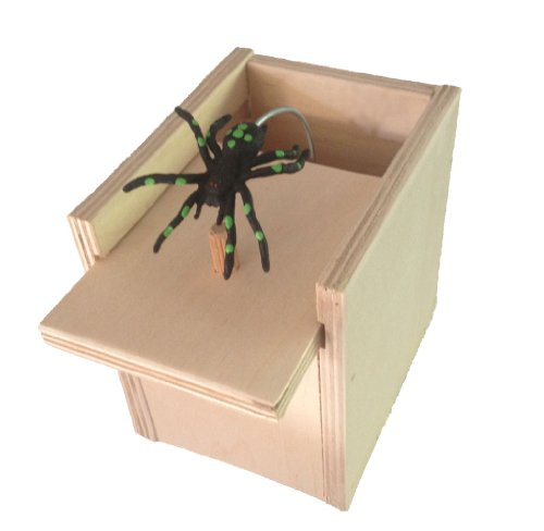 Hilarious-Scare-Box-Spider-Prank-Wooden-Scarebox-Joke-0