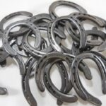 50-Pc-Lot-of-NEW-old-look-Cast-Iron-Horseshoes-for-Crafting-0